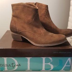 Diba True  Leather Ankle Booties sz 8M